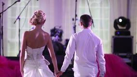 Elemente einer netten Hochzeitstanz am Hochzeitsempfang stock video footage