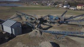 Elementen van materiaal voor de extractie en het sorteren van puin Productie van bouwmaterialen Metaalbouw voor stock video