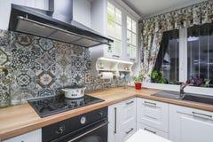 Elementi d'annata della cucina, ornamenti e dettagli della cucina nello stile classico Immagini Stock Libere da Diritti