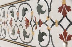Elementi decorativi creati applicando pittura, stucco, gli intarsi della pietra e le sculture Fotografie Stock