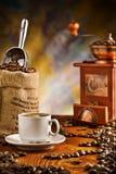 Elementi del caffè sulla tabella Immagini Stock Libere da Diritti