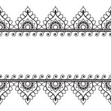 Elementi del modello del confine di Seamles con i fiori e linee del pizzo nello stile indiano di mehndi isolate su fondo bianco Fotografie Stock Libere da Diritti