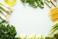 Elementi della pasta su fondo bianco Fotografia Stock