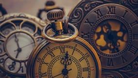 Elementi della raccolta della collana dell'orologio vecchi immagine stock