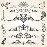 Elementi di disegno e decorazione calligrafici della pagina Insieme di vettore per abbellire la vostra disposizione Immagini Stock