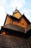 Elementi di legno del tetto della chiesa della doga, Norvegia Immagini Stock