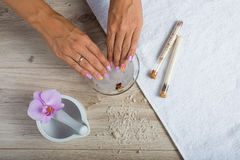 Elementi essenziali della stazione termale per un manicure Fotografie Stock