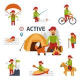Elementi infographic attivi Equipaggi il rilassamento da fuoco in foresta con l'animale selvatico - una volpe Uomo con uno zaino  Immagine Stock