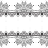 Elementi senza cuciture del confine di mehndi del modello con i fiori per il tatuaggio o la carta nello stile indiano su fondo bi illustrazione di stock