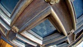 Elemento allungato quadrato scolpito di legno della porta Immagine Stock
