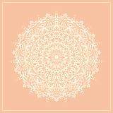 Elemento bianco del pizzo della mandala rotonda geometrica di scarabocchio - vector la carta dell'illustrazione Immagine Stock
