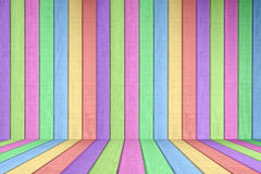 Elemento de madera coloreado en colores pastel del fondo de la cerca Imágenes de archivo libres de regalías