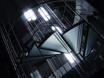 Elementos arquitetónicos - escadas de vidro matt da rotação foto de stock