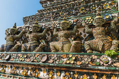 Elementos arquitetónicos na área de Wat Arun, Banguecoque Foto de Stock
