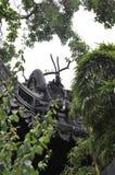 Elementos arquitetónicos na parte superior do telhado da casa da família da bandeja do jardim famoso de Yu na baixa de Shanghai foto de stock