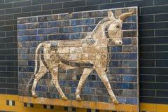 Elementos da antiguidade da parede Babylonian fotos de stock royalty free