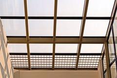Elementos da arquitetura moderna de vidro, de aço e de concreto Vista das construções imagens de stock royalty free