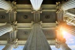 Elementos da colunata e do teto da catedral de Kazan em St Petersburg, Rússia Foto de Stock Royalty Free