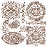 Elementos da garatuja da tatuagem da hena Grupo do vetor Ilustração do Vetor