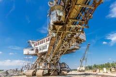 Elementos da máquina escavadora Multibucket, empilhador gigante imagem de stock royalty free