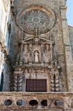 Elementos de la fachada de la iglesia del santo Francis Porto portugal Fotos de archivo libres de regalías
