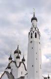 Elementos de la iglesia ortodoxa contra el cielo Foto de archivo libre de regalías