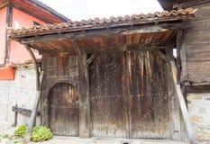 Elementos de madera grandes del casa-museo en Koprivshtitsa, Bulgaria Fotografía de archivo libre de regalías