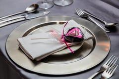Elementos de tabela da recepção da decoração do casamento imagem de stock royalty free