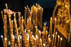 Elementos decorativos dentro da igreja ortodoxa do russo foto de stock royalty free