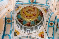 Elementos decorativos dentro da igreja ortodoxa do russo imagens de stock royalty free
