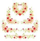 Elementos decorativos florais românticos com corações Ilustração do Vetor