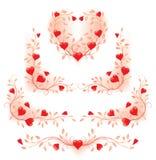 Elementos decorativos florais românticos com corações Ilustração Royalty Free