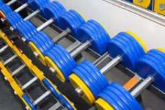 Elementos del equipo del gimnasio imagen de archivo libre de regalías