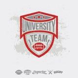 Elementos del equipo y del diseño de la universidad del emblema del rugbi Imágenes de archivo libres de regalías