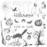 Elementos dibujados mano del partido de Halloween del garabato Objetos grises del lápiz, fondo blanco Ejemplo del diseño para el  Imagen de archivo libre de regalías