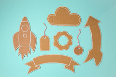 Elementos do cartão para o projeto Rocket, bandeira, preço, nuvem e seta feitos a mão Foto de Stock
