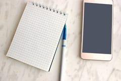 Elementos do empresário: punho do caderno do telefone Imagem de Stock