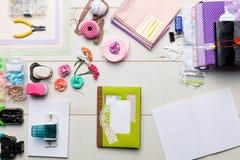 Elementos e ferramentas do álbum de recortes para álbuns da decoração Imagem de Stock Royalty Free