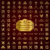 Elementos ornamentales de oro para la decoración del diseño y de la página Foto de archivo
