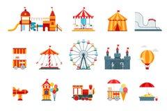 Elementos planos del vector del parque de atracciones, iconos de la diversión, en el fondo blanco con la noria, castillo, atracci