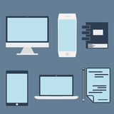 elementos y ordenador de la oficina conceptora, tableta, ordenador portátil y sma Foto de archivo