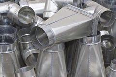 Elementos y piezas hechos de la hoja galvanizada para los diversos sistemas de ventilaci?n imágenes de archivo libres de regalías