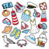 Elementos y ropa de la moda de la mujer de las vacaciones del mar para el libro de recuerdos Foto de archivo libre de regalías