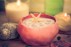 Elements spa behandelingen bemerkte kaarsen Stock Foto