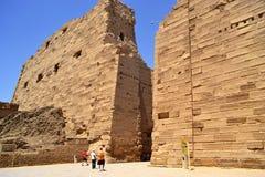 Elementy i szczegóły wnętrze Karnak świątynia w Luxor obrazy royalty free