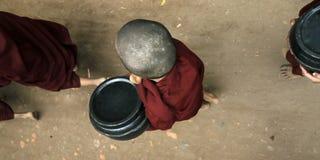 Elemosine del recept dei monaci del principiante immagini stock