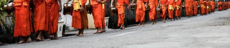 Elemosine di Luang Prabang che danno cerimonia Fotografie Stock