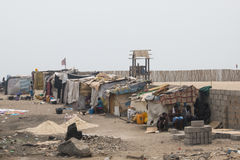 Elendsviertel auf einem Strand in Accra, Ghana Stockfoto