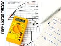 Eletrônica do estudo - teoria do transistor fotos de stock