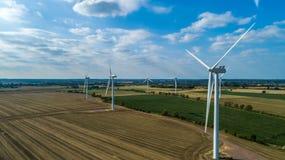 Eletricidade Windfarm fotografia de stock royalty free